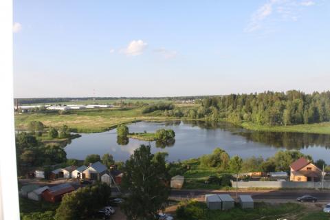А сейчас павловская слобода известна тем, что на противоположном от села берегу реки истры расположены съёмочные