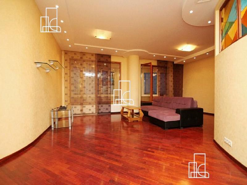 Москва, 5-ти комнатная квартира, Можайское ш. д.2, 220000 руб.