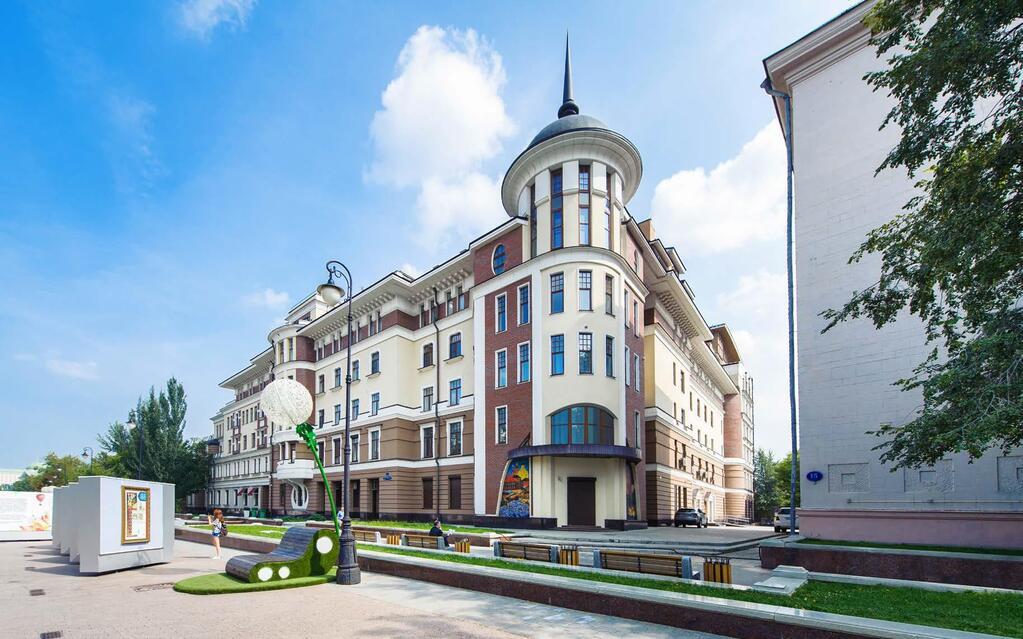 Продажа псн 182 кв.м. 1-й этаж Лаврушинский прееулок 11с1, 94018195 руб.