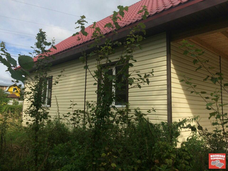 В г.Красноармейске продается дом (дача) 200 кв.м. на участке 12 соток, 2900000 руб.