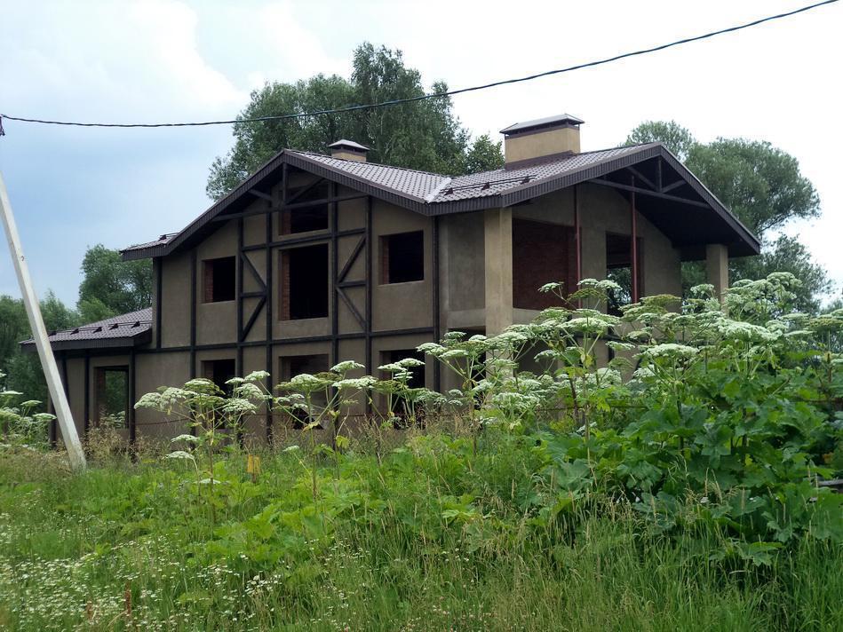 Кирпичный коттедж в деревне Голохвастово. Газ по границе., 6700000 руб.