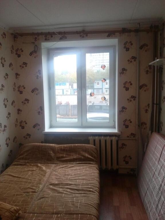 Продаётся комната в 3-хкомнатной квартире, 2400000 руб.