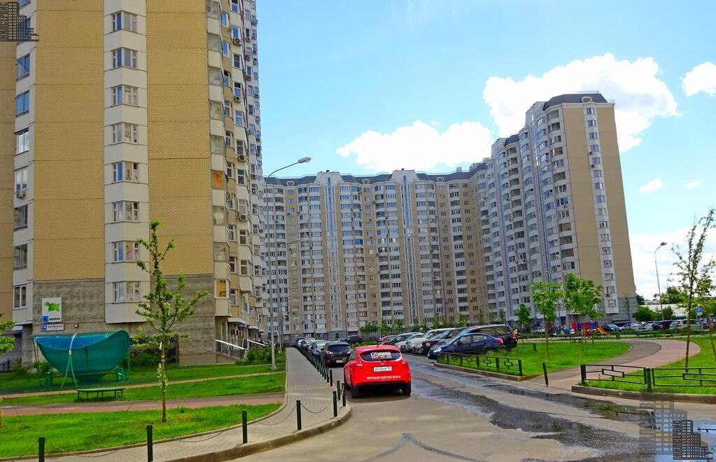 Нежилое помещение псн с отдельным входом в 17-этажном доме, Нарвская, 14300000 руб.