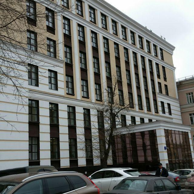 Бизнес-центр на Басманной, 795740000 руб.
