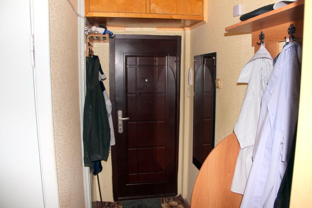 Продам 2-к квартиру,мкр белые столбы, ул авенариуса 2