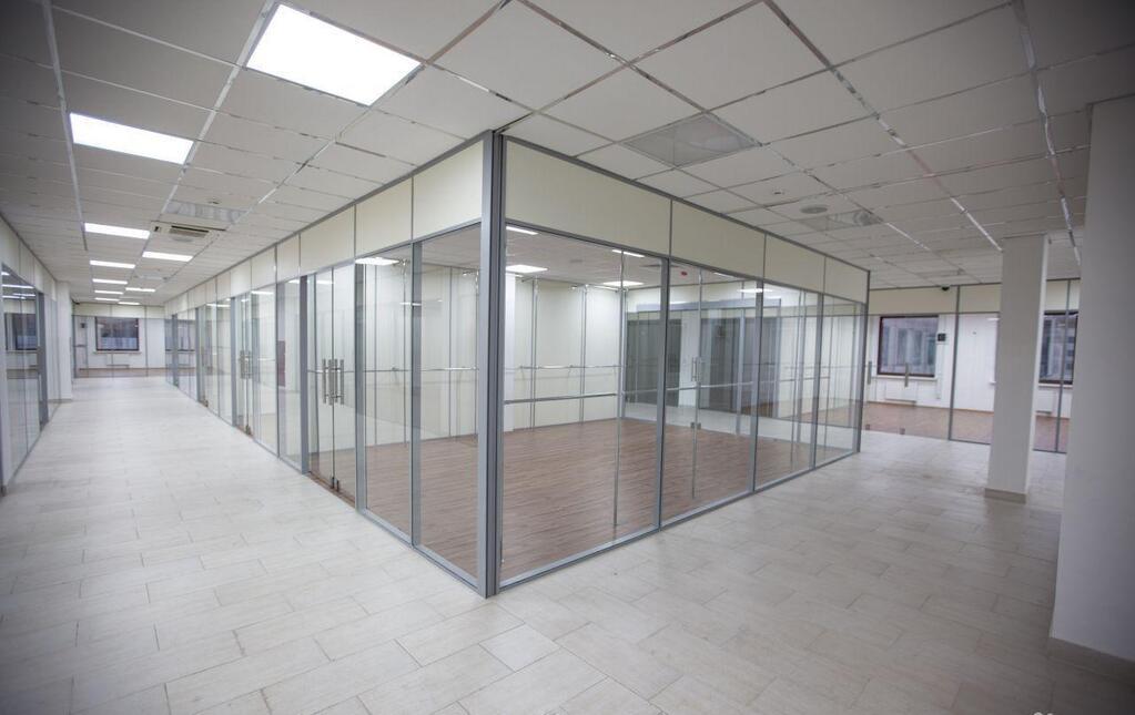 Сдаётся в аренду блок офисных помещений 1780 кв.м. в бизнес парке «Гри, 14000 руб.