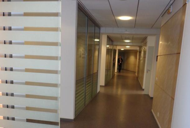 Сдаётся в аренду офисный блок помещений 906 кв.м., 16519 руб.
