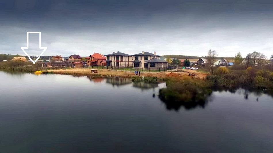 Участок с личным причалом на берегу озера площадью 35 гектаров, 4800000 руб.