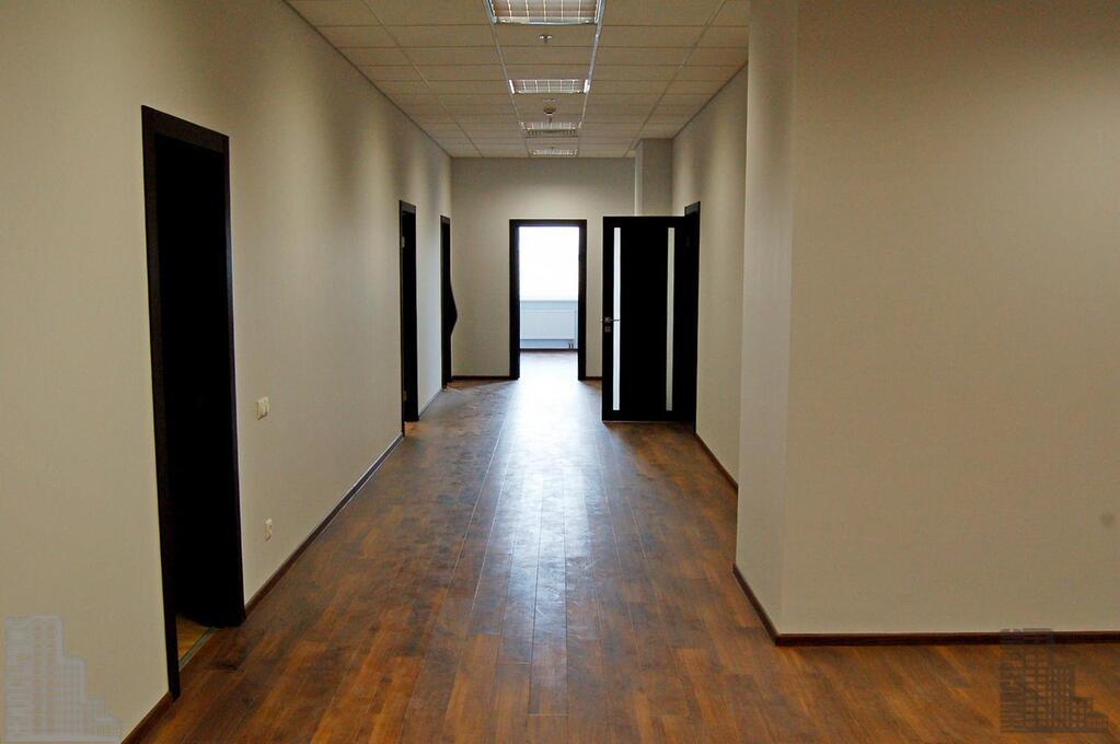 Офис 509м с отделкой в 17-этажном бизнес-центре у метро, 18000 руб.