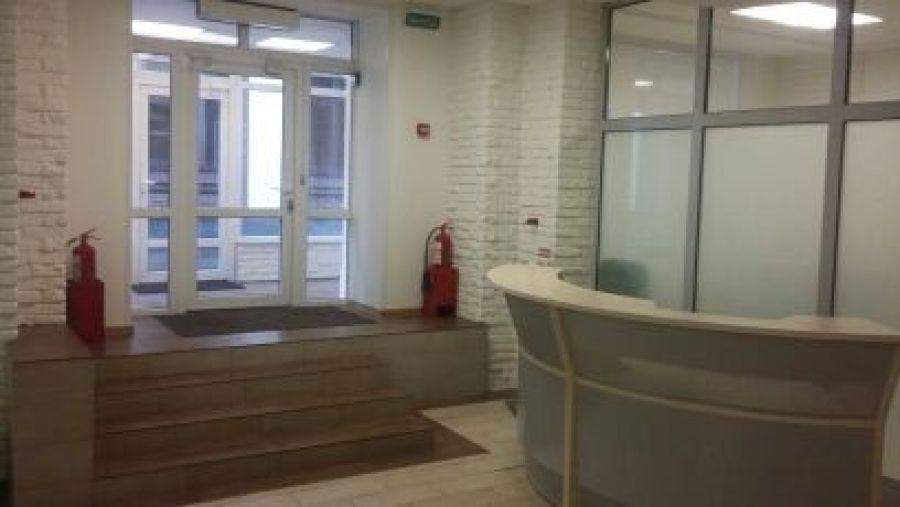 Двухуровневый офисный блок 350 кв.м. класса В+ в аренду на Шаболовке, 21000 руб.