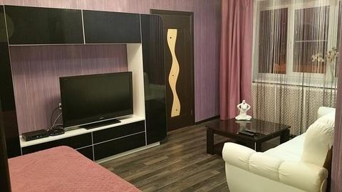 Сдам двухкомнатную меблированную квартиру на длительный срок.