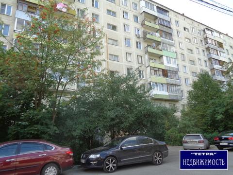 Продается 2 комнатная квартира в самом центре города.