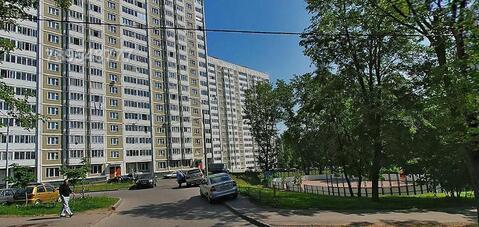 Предлагается помещение на 1 м этаже жилого здания с отдельным входом
