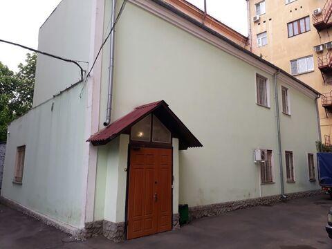 Офисное здание 150 кв. м, Третьяковская.