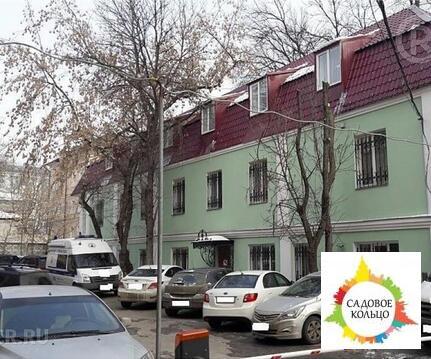 Двухэтажный с полноценной мансардой особняк, расположенный в Централ