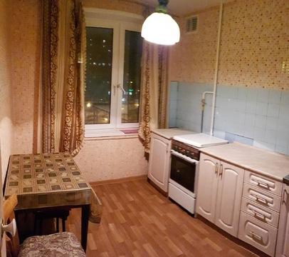 Продается 1-комнатная квартира у метро.Свободная продажа.