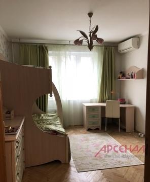 Продается 2 комнатная квартира м. Крылатское