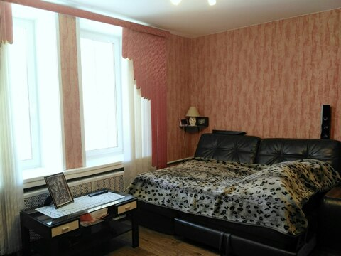 Отличная 3 комнатная Сталинка!В самом центре!