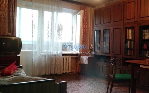 Продается отличная квартира в теплом кирпичном доме. Окна выходят на