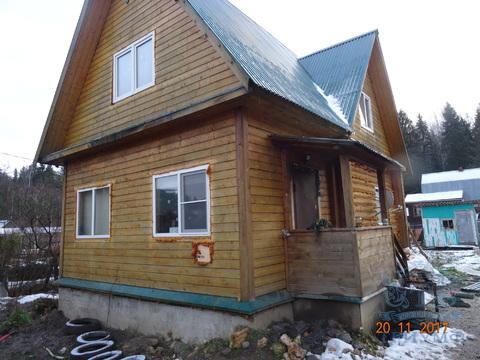 Продаётся дом на участке 6 соток.