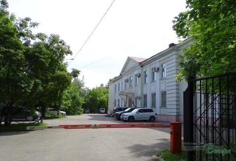 Отдельно стоящее нежилое административно-офисное здание.