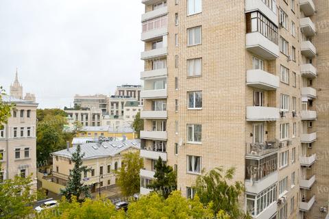 Купить недвижимость по лучшей цене Спиридоновка 10