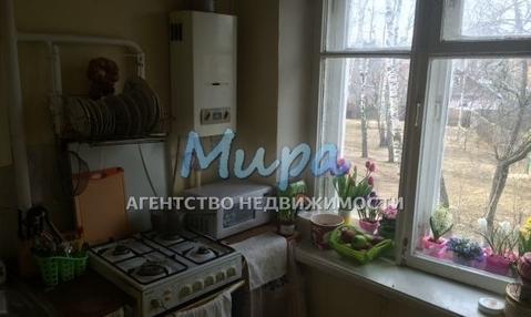 Продаю однокомнатную квартиру 30 м2 в среднем состоянии в кирпичном
