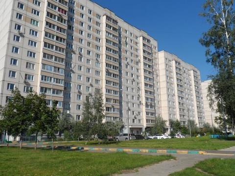 Продаётся 3-комнатная квартира по адресу Вольская 1-я 10