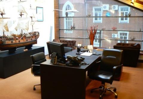 Стильный офисный особняк в стиле лофт в центре Москвы