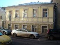 Отдельно стоящее здание в центре Москвы