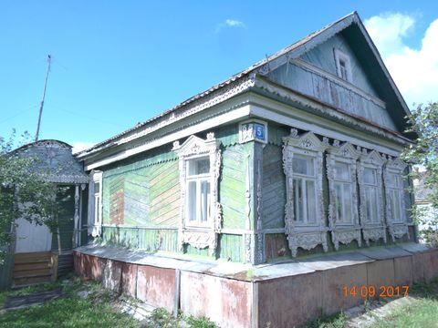Крепкий деревенский дом