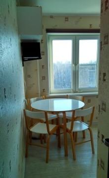 Продается отличная с евроремонтом 2 комнатная квартира в пос. Правдинс