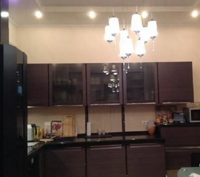 Продается 2-х комнатная квартира на 8 этаже 10 этажного монолитно-кирп