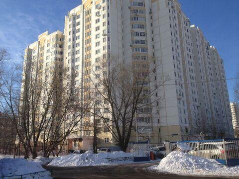 Сдается просторная, современная однокомнатная квартира.