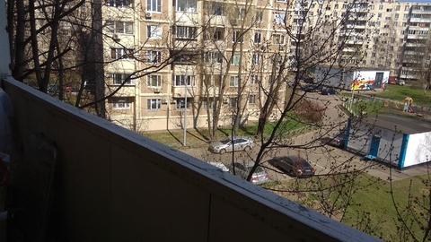 1-ую кв-ру в Москве ул. Челюскинская 12