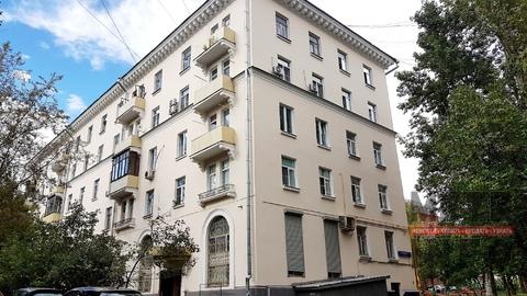 Продаётся трёхкомнатная квартира по адресу: Б. Очаковская ул. 11