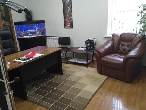 Офис бизнес класса с мебелью 246,5 кв.м, территория 76 соток