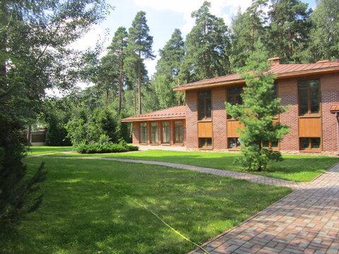 Продается 3 уровневый коттедж и земельный участок в г. Ивантеевка
