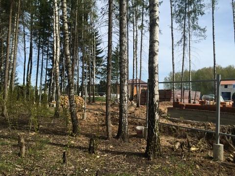Земельный участок под строительство загородного дома.