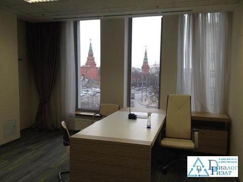 Офис 398 кв. м. с видом на Кремль, 2 мин. пешком от метро Боровицкая
