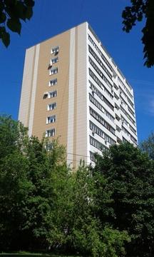 Продается 3-х комнатная квартира 64 кв.м. кухня 9,5 кв.м. у метро .