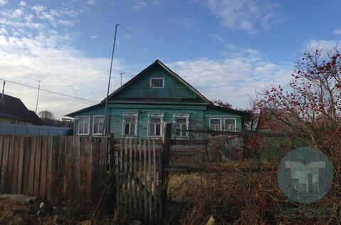 Продается часть дома в деревне на участке 20 соток рядом с городом.