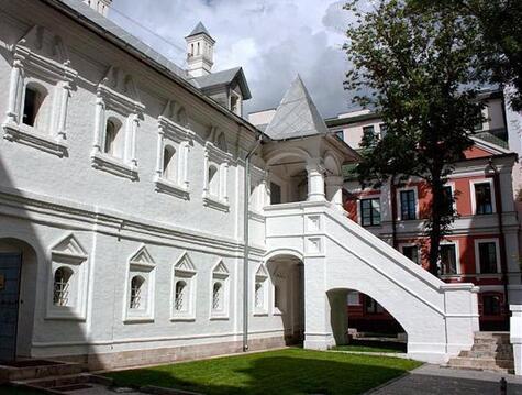 Продажа здания 1044 м2 на Кузнецком Мосту 17с2
