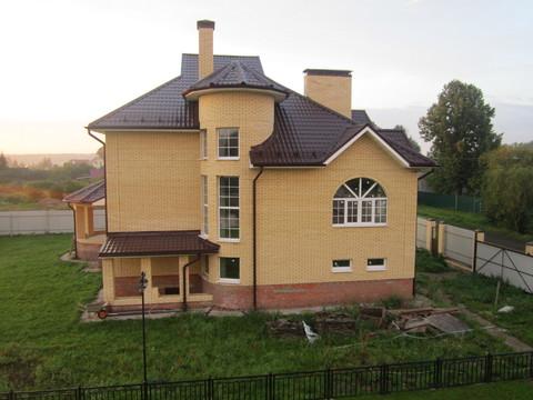 Продается 2 этажный коттедж и земельный участок в д. Введенское