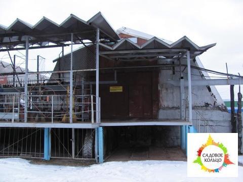 Металлический ангар, пол бетон, высота в коньке 4,5 м, пандус