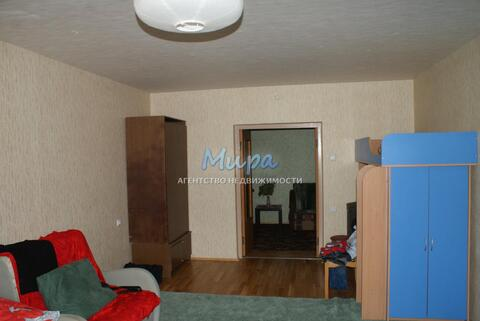 Дмитрий. Сдаётся большая комната 25 метра в большой 140 м.кв, трехк