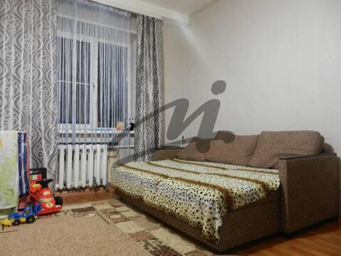 Продажа. Комната в трехкомнатной квартире