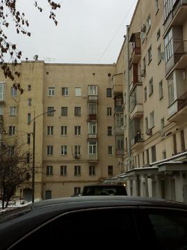 Продается 4-х комнатная квартира, 200 метров от метро Фили.