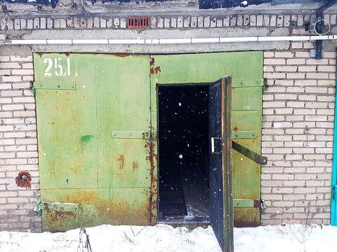 Продам гаражный бокс 18кв.м. на ул.Федоскинская 13с3 Москва