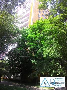 Продается 4-комнатная квартира в 10 мину ходьбы от метро Академическая